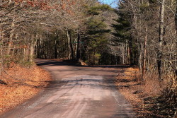 Two_roads_forking_off_in_Luzerne_County,_Pennsylvania